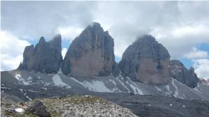 du refuge Locatelli (2.407 m) – Les Tre Cime di Lavaredo (2.999 m)