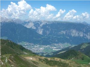 depuis le Kellerjoch Hütte (2.237 m), chaîne des Karwendel Gebirge – Schwaz (536 m)