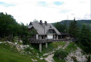 Refuge Merjasec, dans la station de Vogel (1.535 m)