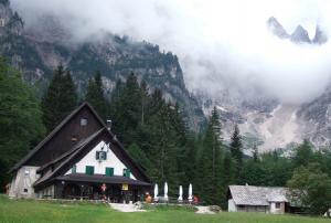 Dernier refuge slovène, celui de Dom v Tamarju (1.108 m)