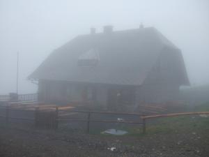 Refuge – privé - Feistritzer Alm (1.722 m) apparu dans le brouillard
