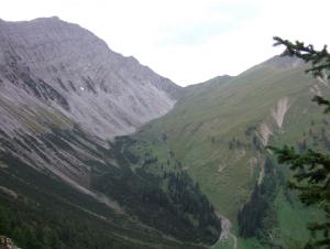 Col Sommerbergjöchle (2.001 m) vu depuis Wolfratshauser Hütte